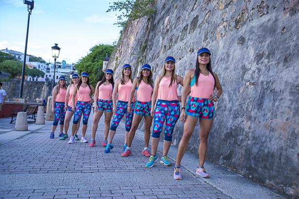 Parte del Club Run Like a Lola en el Paseo La Princesa en San Juan.